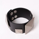 Buy Bracelet - Squared with discount from Modekungen.