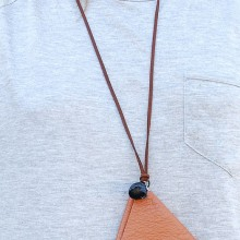 Buy Necklace - Brown triangle with discount from Modekungen.